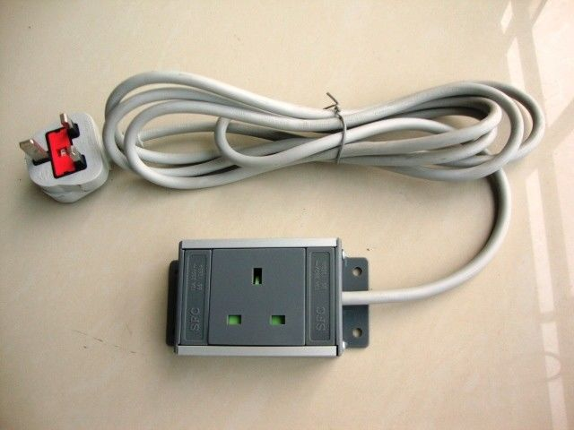 1 Receptacle European Power Strip , UK Power Distribution Units With Extension Cords